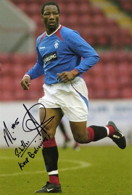 Marvin Andrews, Rangers, signed 12x8 inch photo.